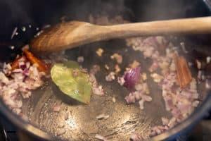 Currysauce ansetzen