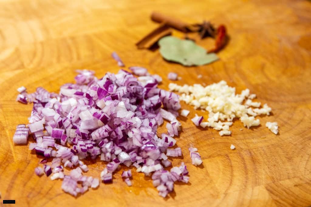 Zutaten für Currywurst Soße