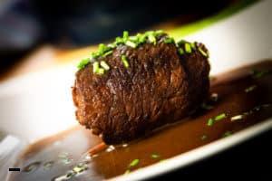 Roulade vom Rind mit Sauce & Schnittlauch