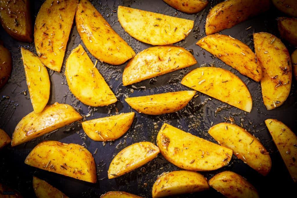Marinierte Kartoffeln aus dem Ofen