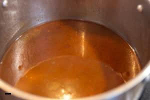 Sauce für Rouladen reduzieren