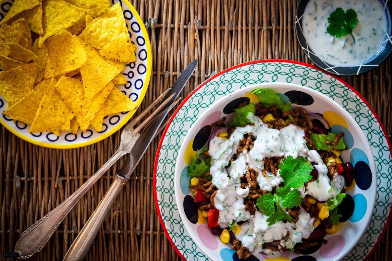 Tex-Mex-Salat mit Hackfleisch & Nachos