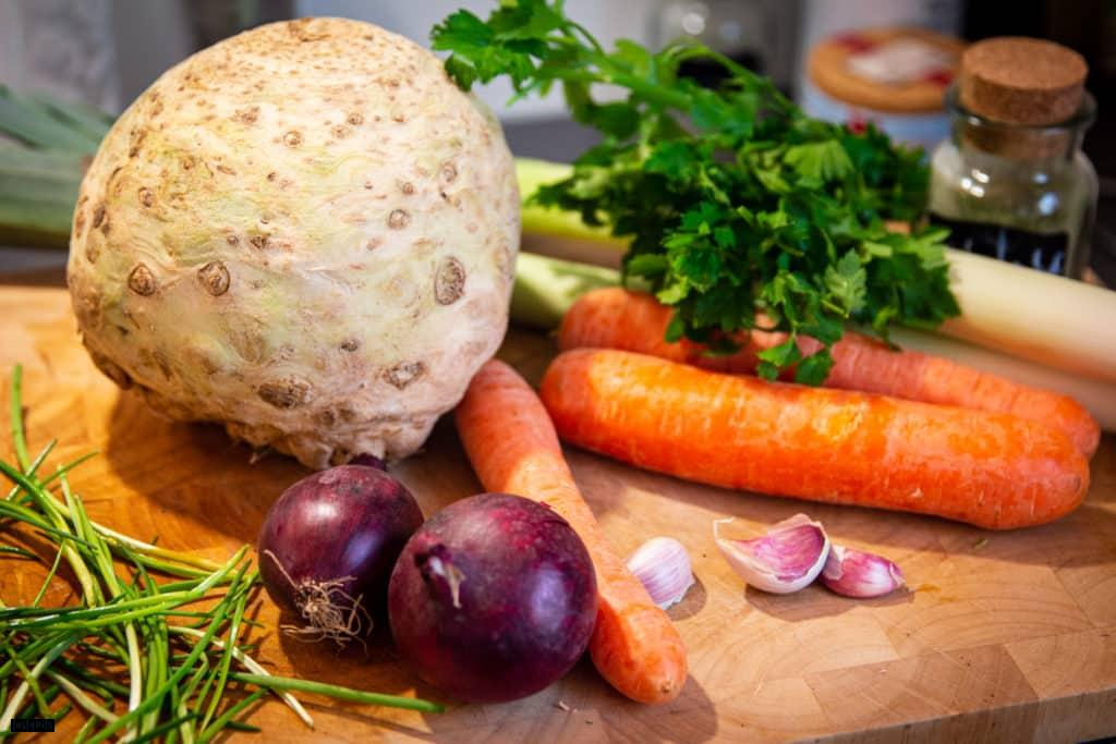 Gemüse für selbstgemachte Gemüsebrühe