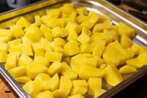 Kartoffeln schälen & schneiden