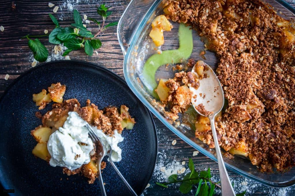 Apple Crumble mit Sahne