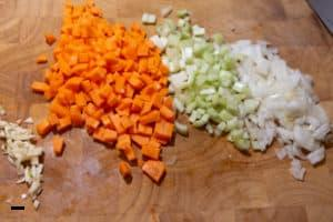 Gemüse für Lasagne vorbereiten