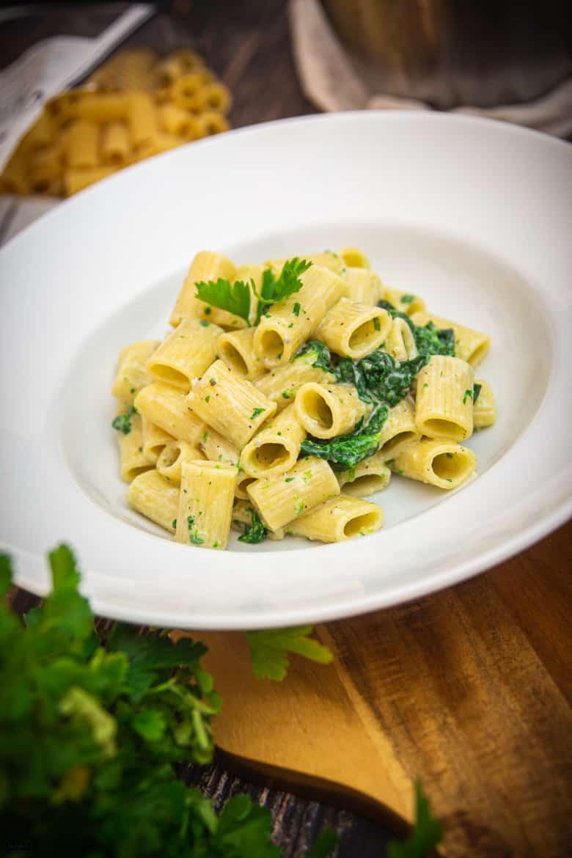 Nudeln mit Gorgonzola & Blattspinat