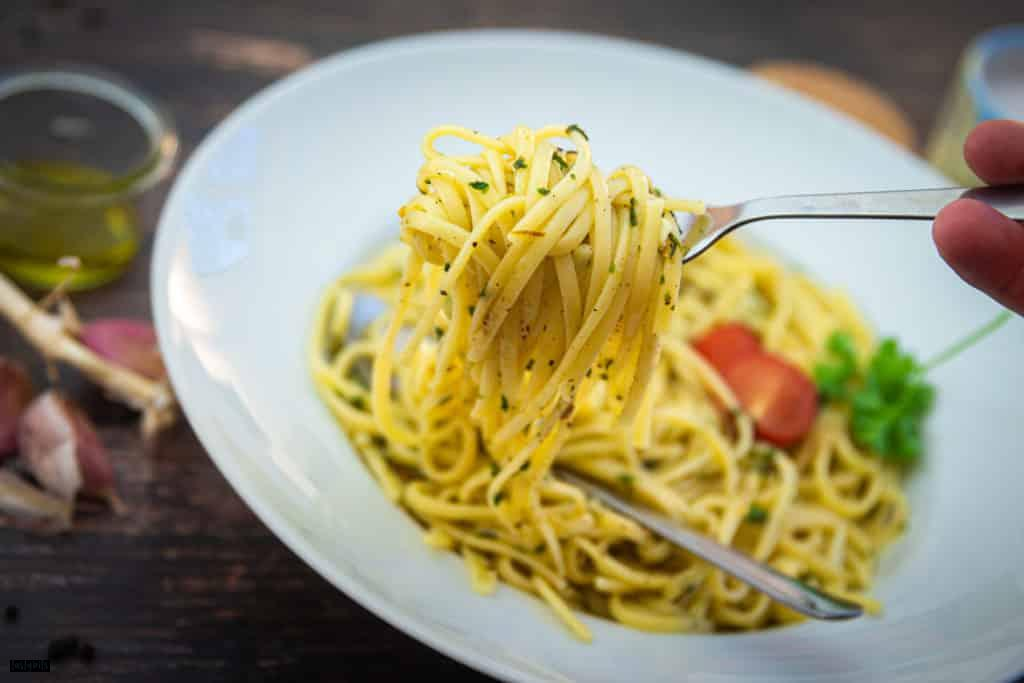 Eine Portion Spaghetti aglio e olio