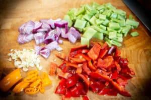 Gemüse für Steakpfanne vorbereiten