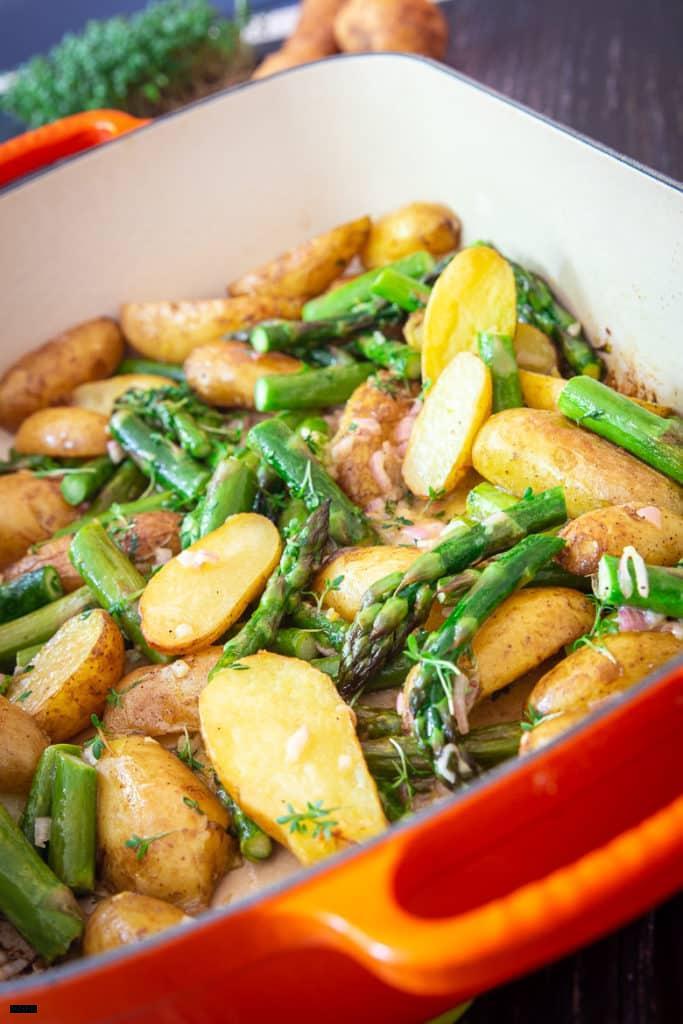 Ofen-Spargel mit Kartoffeln