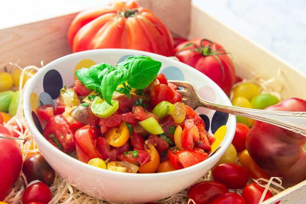 Salat aus frischen Tomaten