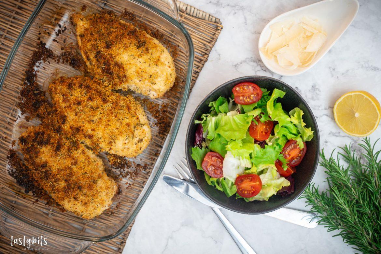 Hähnchenbrustfilet mit Parmesankruste