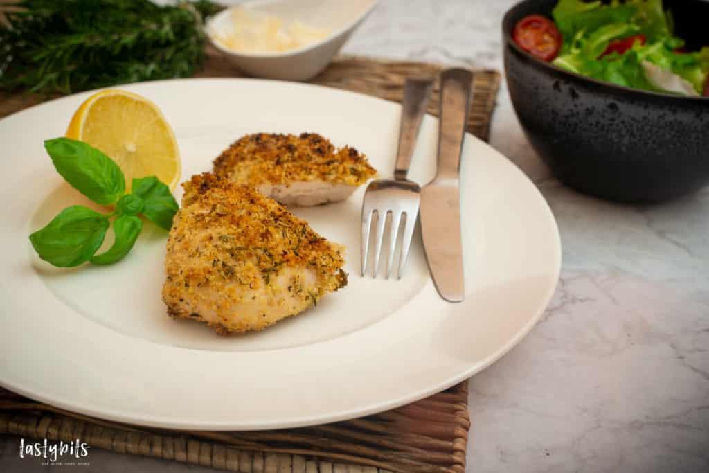 Hühnerbrustfilet mit Salat & Zitrone