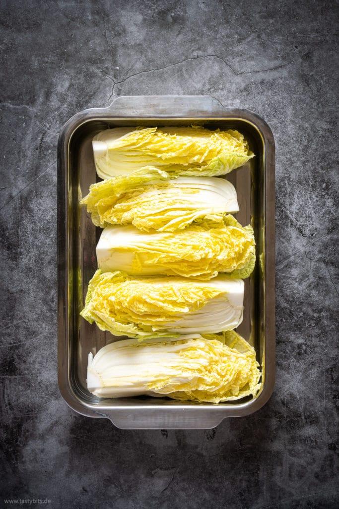 Geviertelter Chinakohl für Kimchi