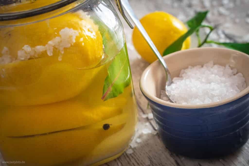 Salzzitronen mit Salztopf