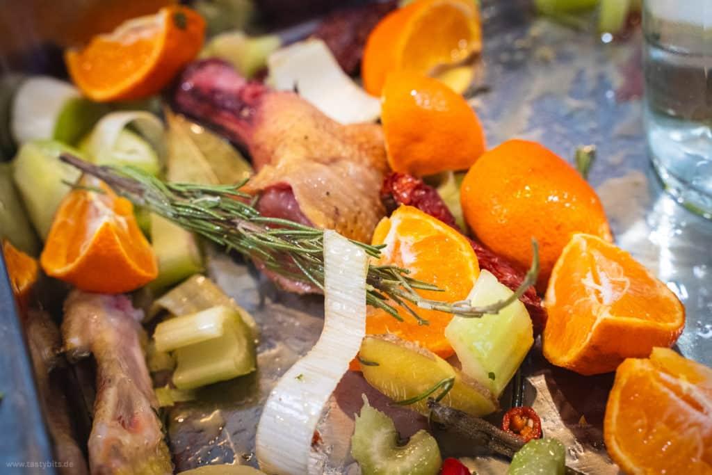 Gemüse für die Brathähnchen-Sauce
