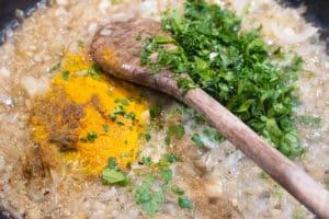 Saucenansatz für Huhn mit Salzzitrone
