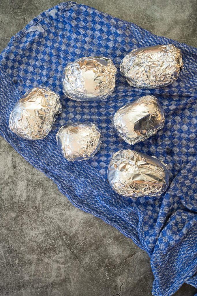 Folienkartoffeln in Alufolie