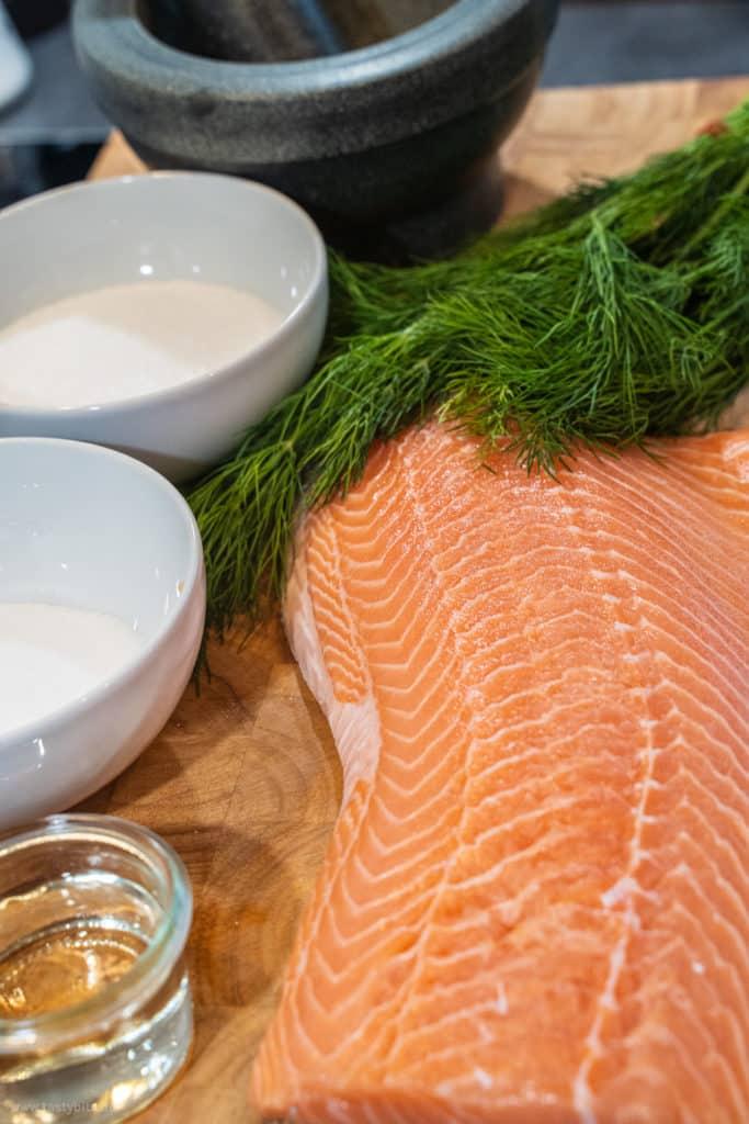 Diese Zutaten brauchst Du zum Lachsfilet beizen